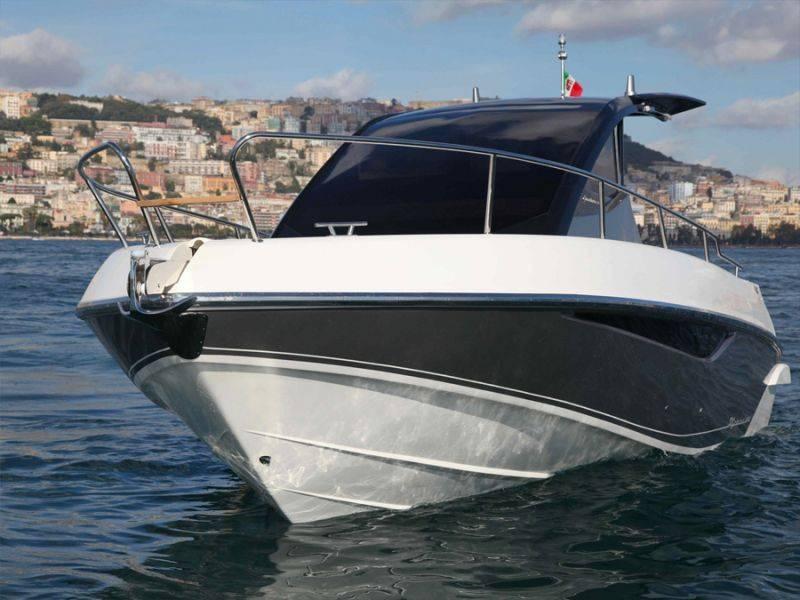 Barche a motore salpa 24 gt for Barche al largo con cabine