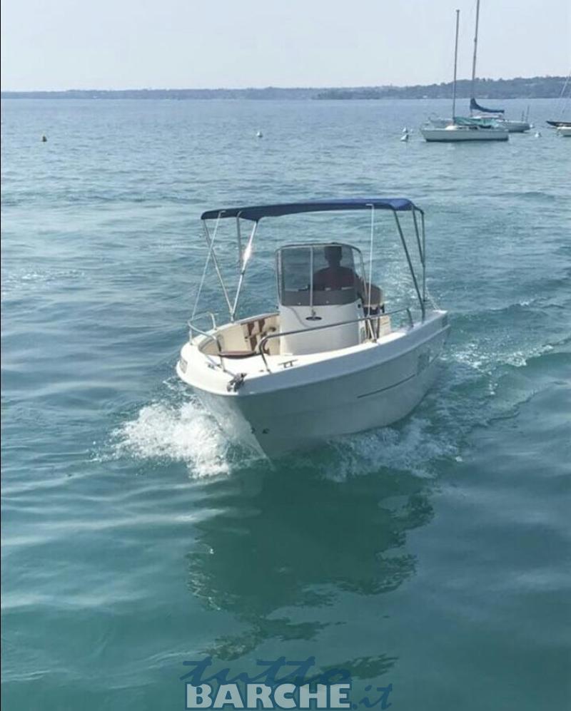 Noleggio rent mingolla 18 brava senza patente lago di for Noleggio di cabine per lago