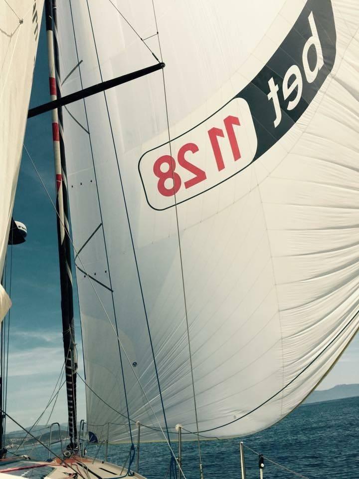 Corsica per due: Bet1128 in testa alla regata