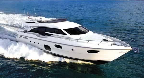 Ferretti 690, lusso e sportività invitati d'onore a bordo