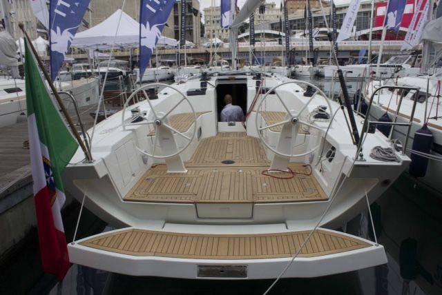 Live da Genova - Vi raccontiamo Italia Yachts 12.98: indole sportiva e stile contemporaneo