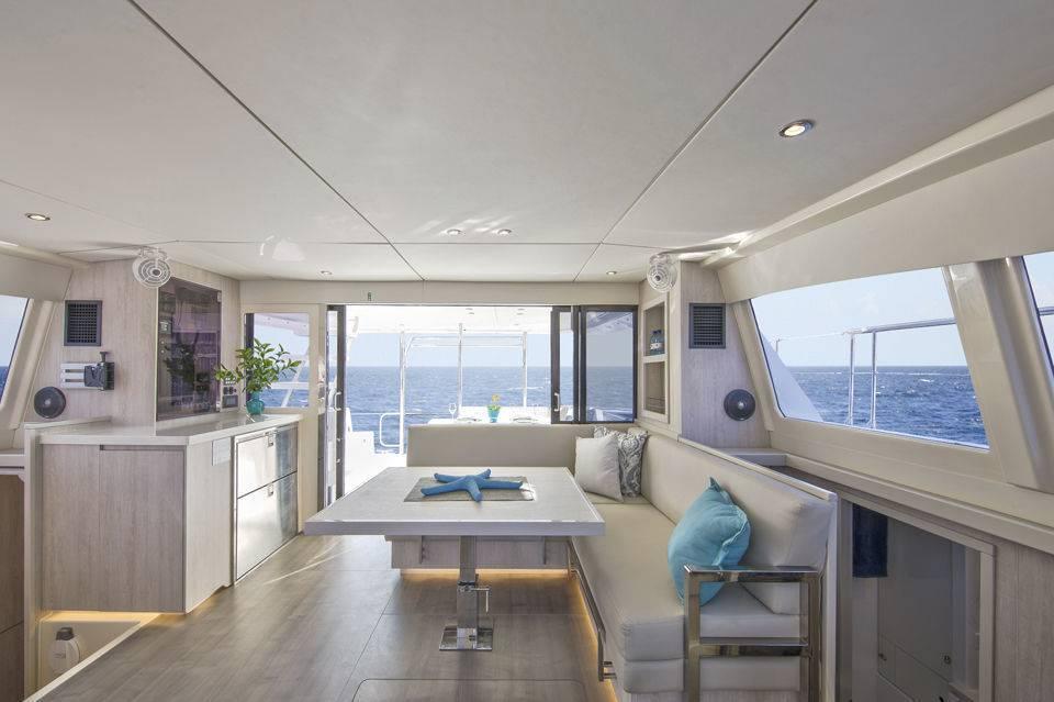 Catamaran express cruiser / inboard / flybridge / with 3 or 4 cabins