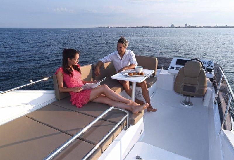boat-Velasco_37F_exterieur_2015040710212317