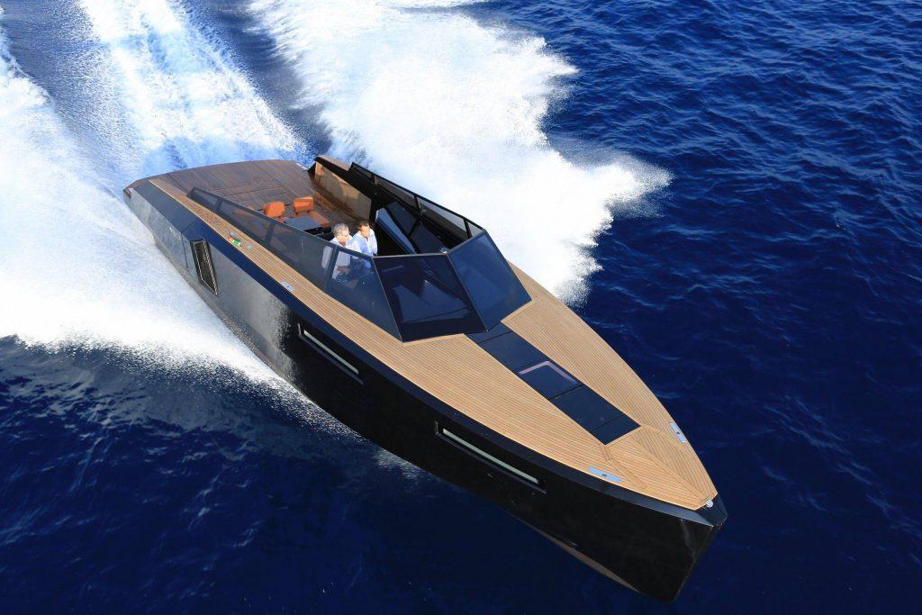 Evo43 in mostra a Napoli: da non perdere una delle barche più gettonate ai saloni nautici