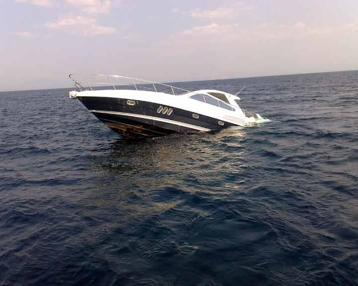 di Nico Caponetto  Pochi giorni fa, di fronte al porto di Pescara, due barche a vela di piccole dimensioni sono entrate in collisione. Una delle due, a causa di una falla, e' affondata in pochi minuti.