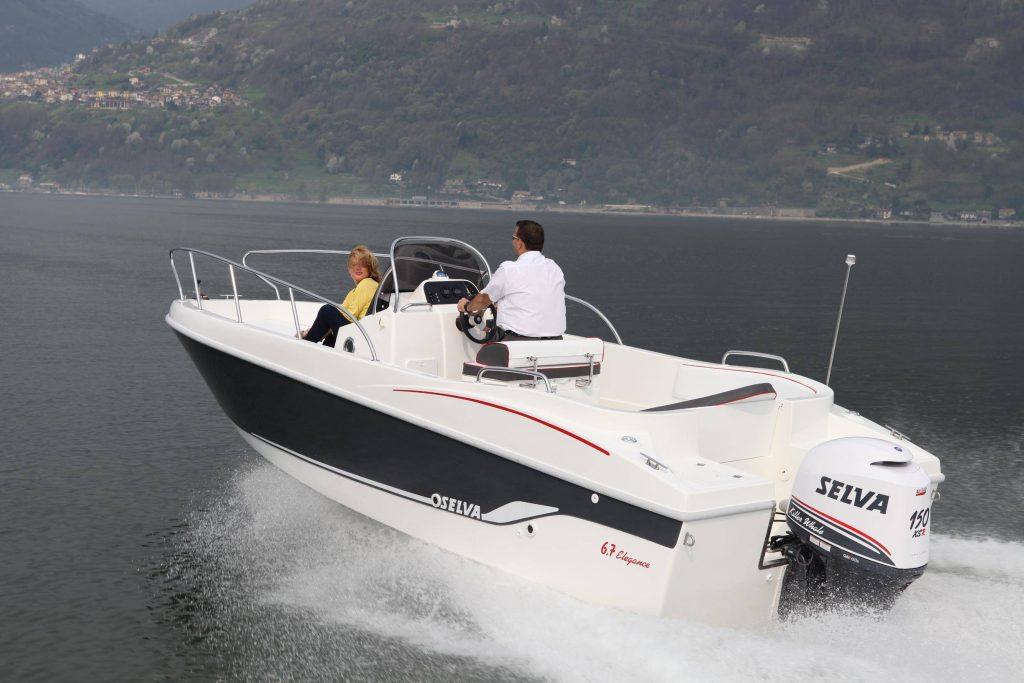Puro open mediterraneo con consolle centrale e due grandi prendisole. Ottime le prestazioni con il Selva 150 XSR.