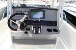 boston whaler interno