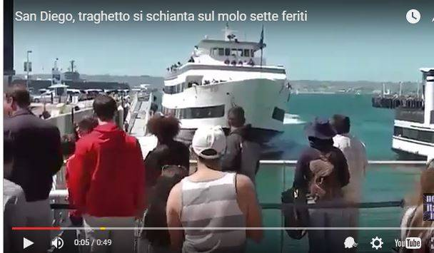 Schianto in porto per un traghetto a San Diego - Video