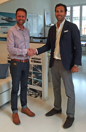 Andrew Pope, a capo del Design Team di Fairline, e Alberto Mancini.
