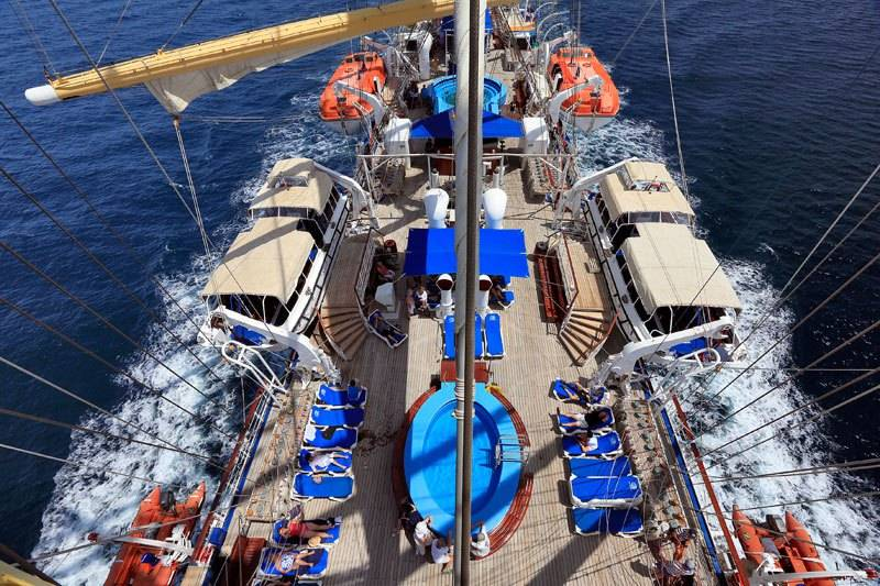 royal-clipper-the-largest-full-rigged-sailing-ship-in-the-world-18