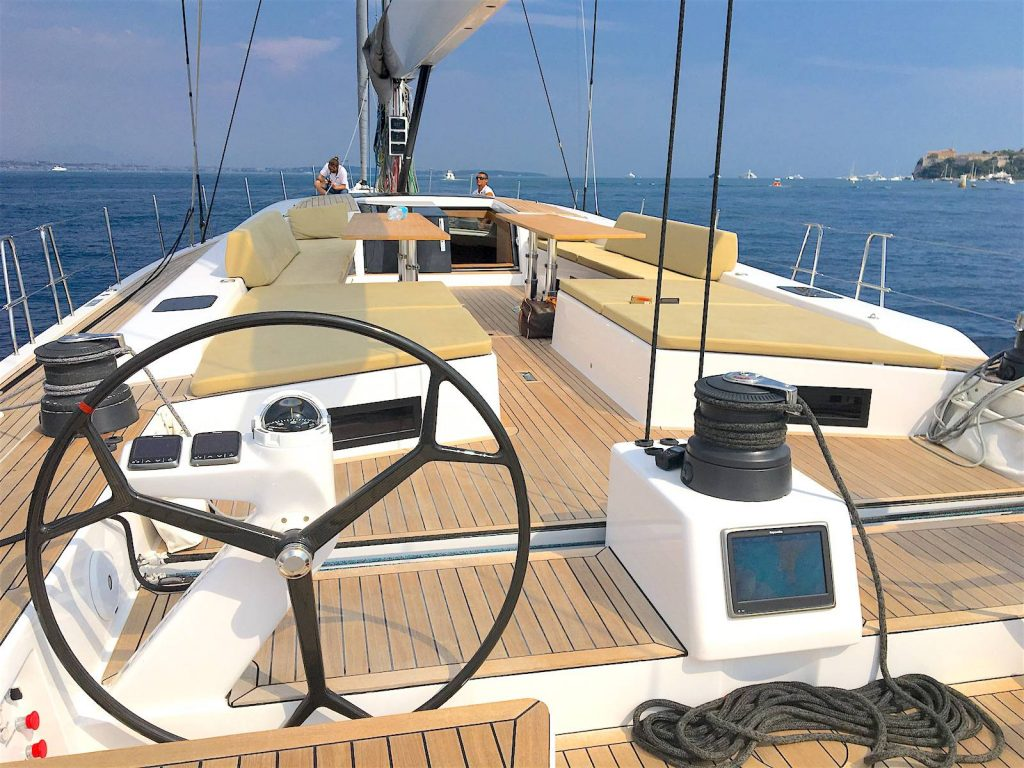 Advanced Yachts A80 coperta 2