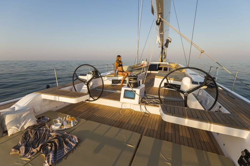 Advanced Yachts A80 coperta