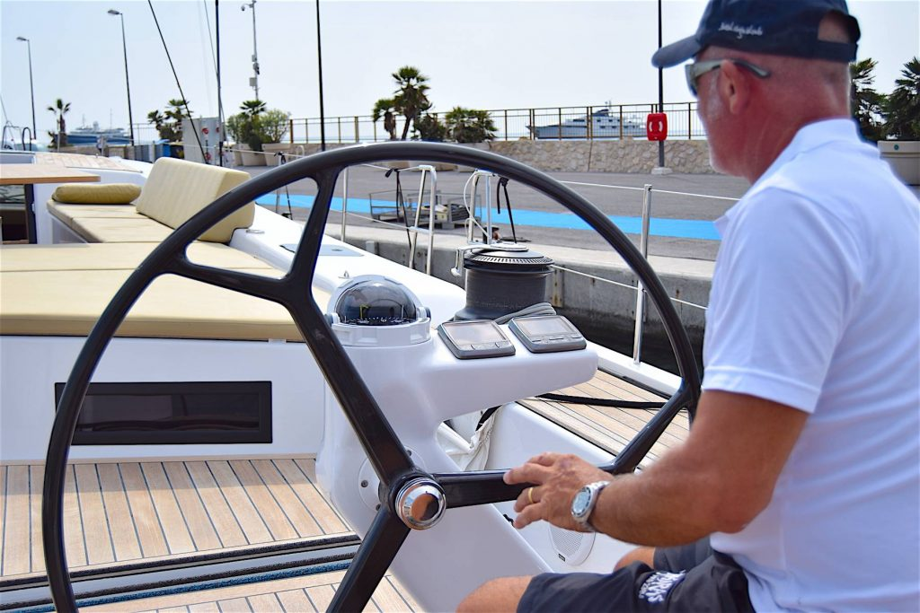 Advanced Yachts A80 uscita portoJPG