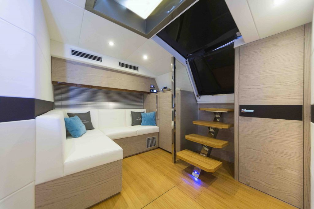 Rio Yachts 42 Air restyling dinette