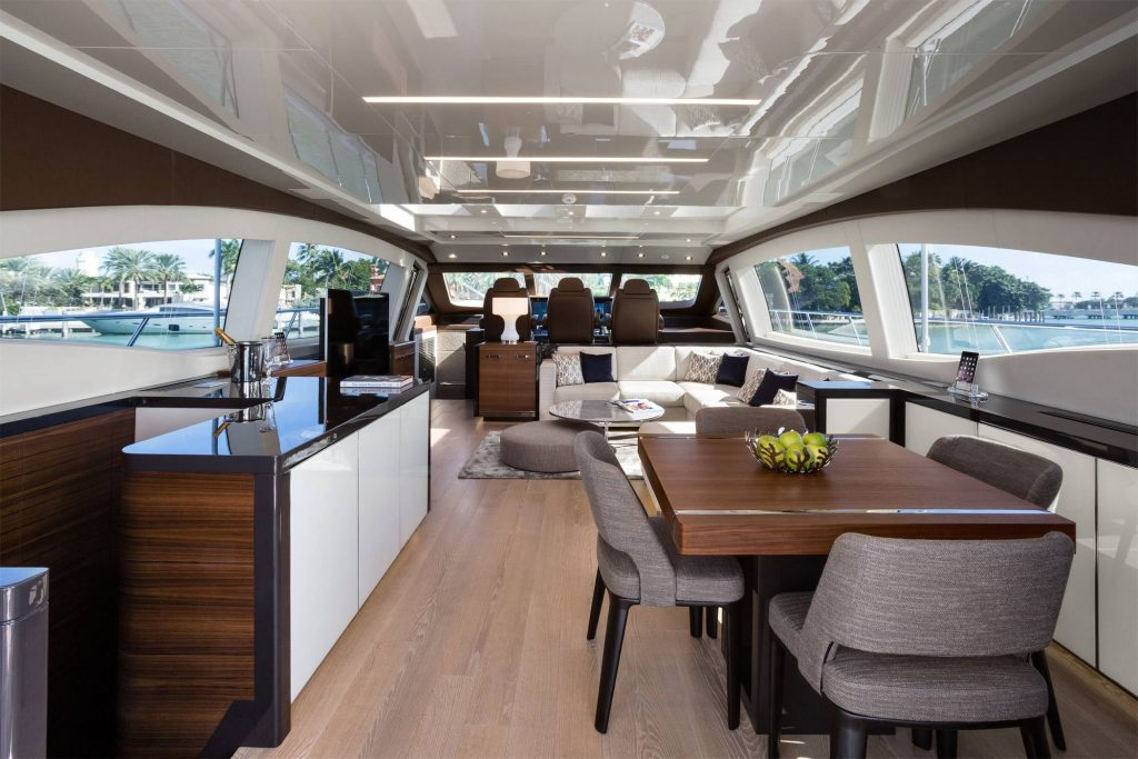 Mangusta 94 Overmarine galley