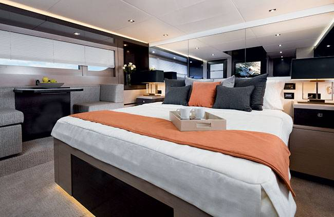 Cruiser Yachts 60 Fly armatoriale