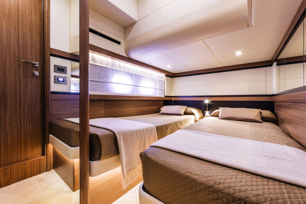 Absolute Yachts 50 Fly Cabina