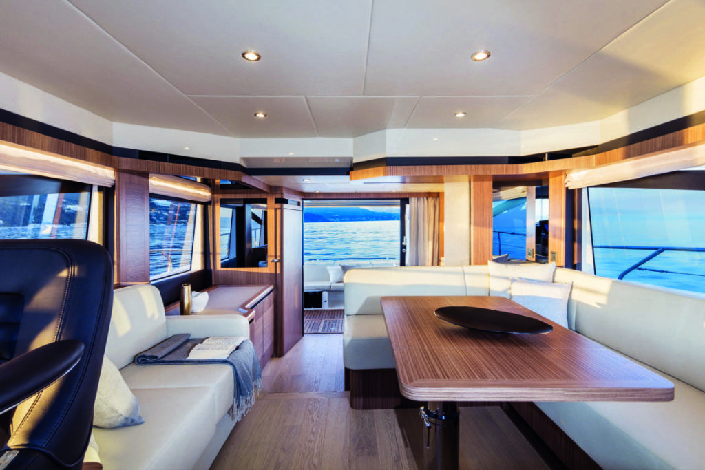 Absolute Yachts 50 fly, il salone