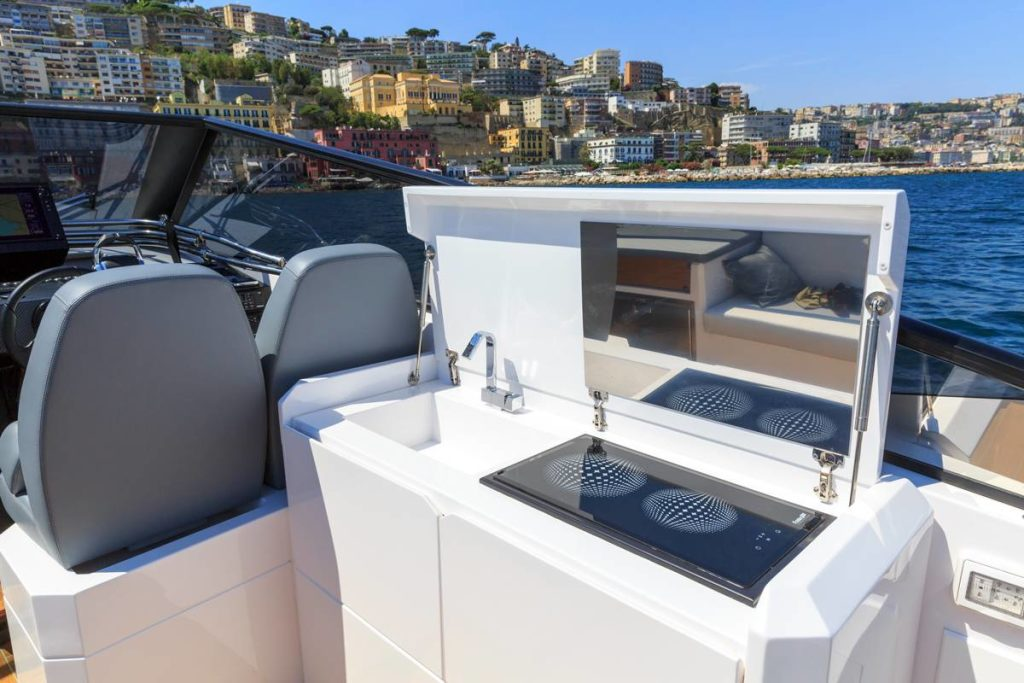 Rio yachts spider 40 complete sea trial for Arredamento yacht