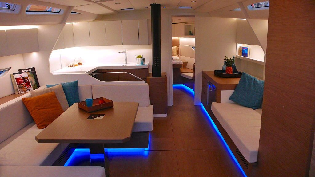 Eleva-Yachts-the-fifty-dinette