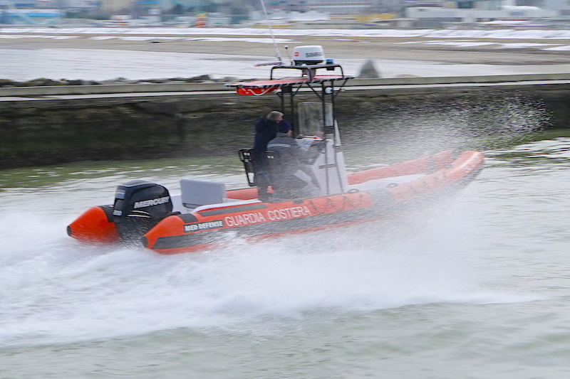 Med Defence 700 CP   Sea trial of the military boat - Magazi