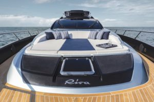 Riva 66' Ribelle - foredeck area