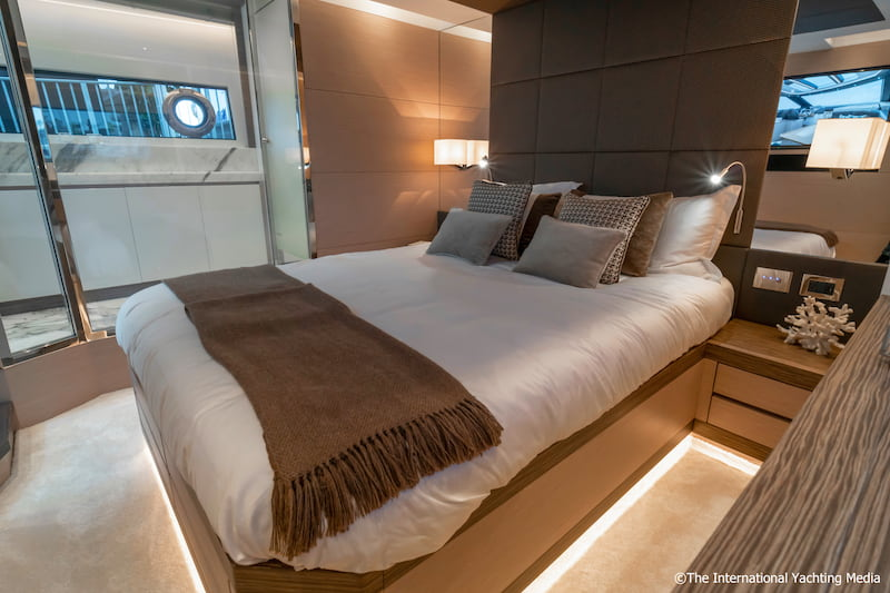 Uniesse 56 SS master cabin