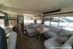 Absolute 47 Fly dinette