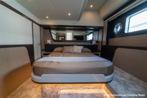 Absolute 47 Fly vip cabin