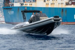 Ranieri International Cayman 35 executive super sport salto