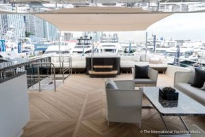 Ocean-Alexander-90-R-open Flybridge