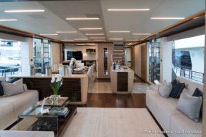 Ocean-Alexander-90-R- Open Flybridge main deck