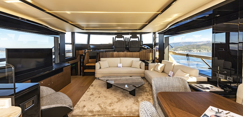 Absolute Navetta 64 salone