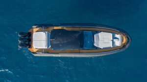 Sacs Rebel 47 outboard top view
