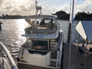 absolute-yachts-flibs-47-fly