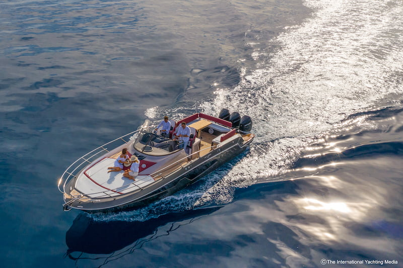 Sessa Key Largo 40 in mare