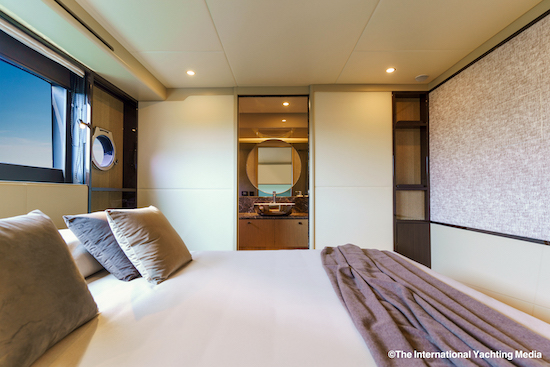 Absolute 60 Fly VIP cabin 54