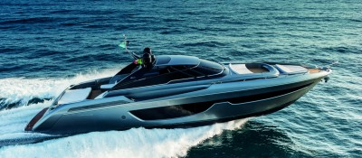 Riva 76 Bahamas, debutto al Fort Lauderdale International Boat Show