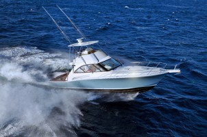 Hatteras Yachts, il 45GTX diventa Fly